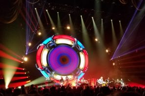 Jeff Lynne's ELO Shines A Little Love on New York City